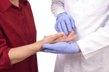 Studiu retrospectiv privind diagnosticul si tratamentul    poliartritei reumatoide precoce