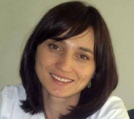 """DR. MĂDĂLINA CARAIVAN: """"Când ne confruntăm cu un caz complicat, e bine să colaborăm cu colegii de alte specialităţi, pentru o abordare cât mai cuprinzătoare"""""""