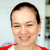 """ADINA PĂUN: """"Deși au pregătire universitară, în România nu există un cadru legal pentru ca moașele să își poată exercita profesia"""""""