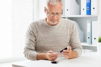 Dizabilitatile fizice, cognitive si complicatiile diabetului la varstnici