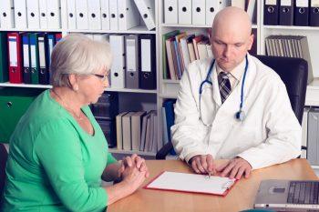 Cancerul şi terapia oncologică la pacientul vârstnic