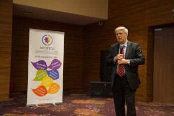 Abordarea multidisciplinară este esențială în cazul AVC-ului