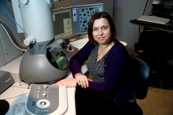 O româncă a descoperit un implant ortopedic dizolvabil