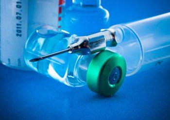 Vaccinarea salvează anual aproximativ 3 milioane de vieți