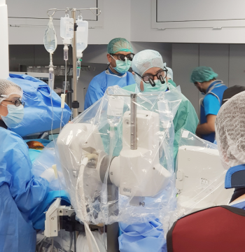 Intervenție hibridă TAVI Transapical, la o pacientă de 77 de ani