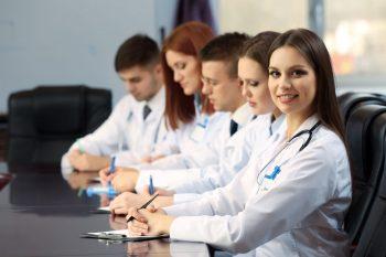 """Plata studiilor la Școala Sanitară Postliceală """"Carol Davila"""" este creditată de stat!"""