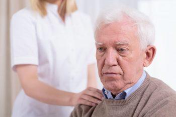 Apatia, un semn precoce al demenței