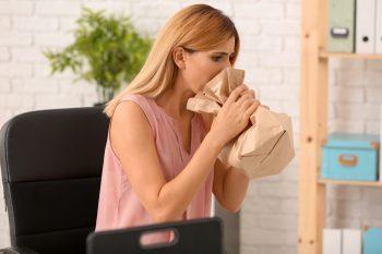 Ce sunt atacurile de panică şi cum pot fi prevenite