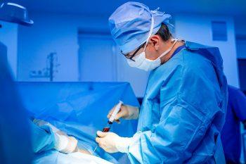 Boala grefă-contra-gazdă, complicaţie apărută în urma transplantului hematopoietic