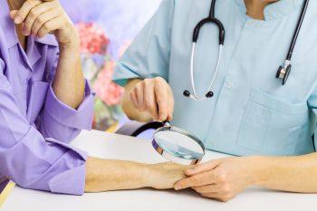 Melanomul ar putea fi tratat cu un nou medicament