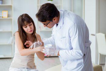 Antibioticele topice, avantaje și indicații terapeutice