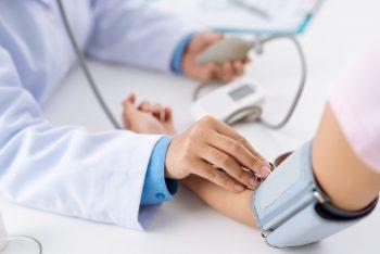 Tensiunea arterială optimă ajută creierul să îmbătrânească mai lent